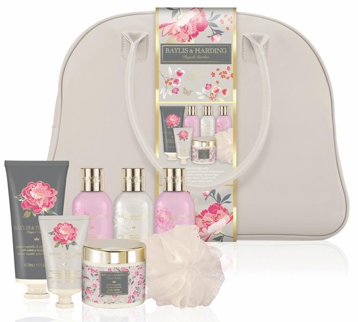 Baylis & Harding Dárková sada v cestovní tašce Růžová magnolie a květy hrušky (Royale Garden Weekend Bag)