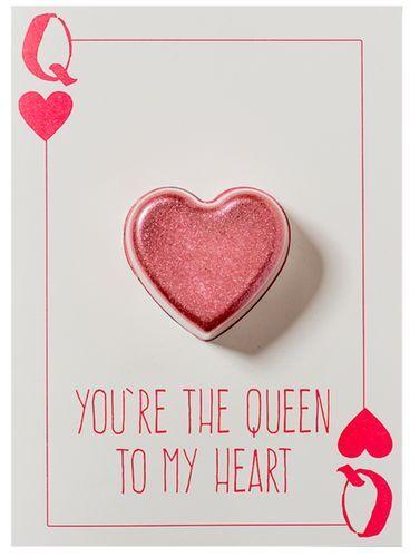 Bomb Cosmetics Šumivé přání s balistikem do koupele You´re The Queen To My Heart (Blaster Card) 45 g