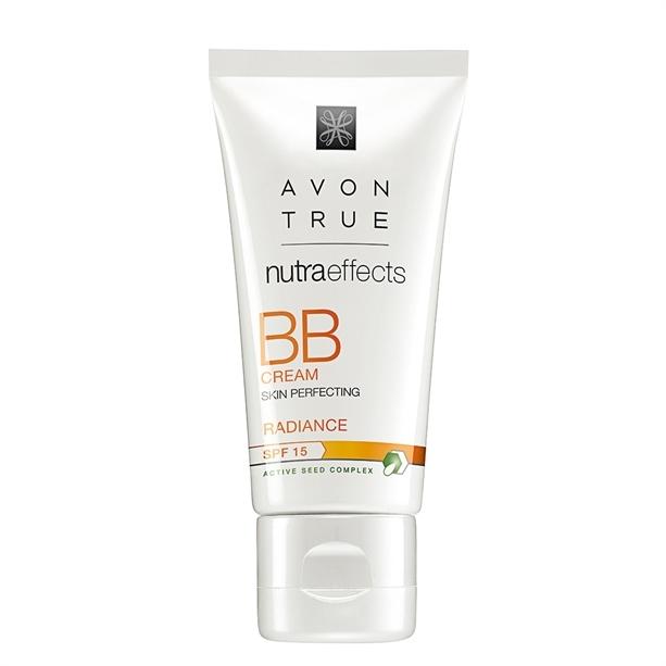 Avon Rozjasňující BB krém se zkrášlujícím účinkem SPF 15 Avon True (BB Cream Skin Perfecting) 30 ml Light
