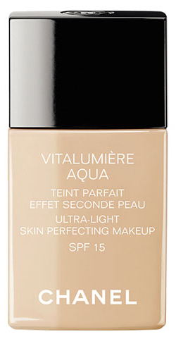 Chanel Rozjasňujúci hydratačný make-up Vitalumiere Aqua SPF 15 ( Ultra - Light Skin Perfecting Makeup) 30 ml 20