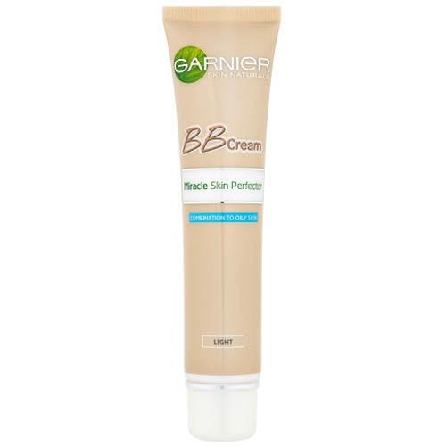 Fotografie Garnier Zmatňující tónovací BB krém pro smíšenou až mastnou pleť (Miracle Skin Perfector) 40 ml Norm