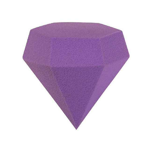Gabriella Salvete Hubka na make-up Diamond Violet ( Make-up Sponge)