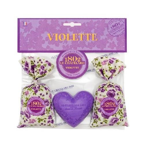 Le Chatelard Dárkový set s vůní fialky Vonný pytlíček 2 x 18 g + mýdlo ve tvaru srdce 100 g