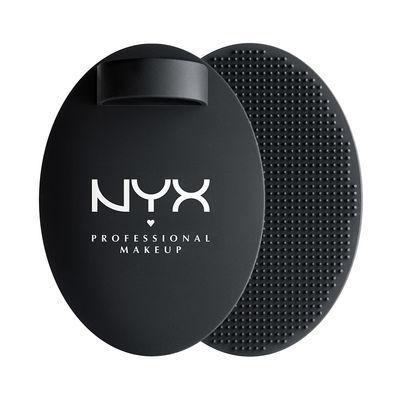 NYX Čisticí podložka na štětce Professional Makeup (On the Spot Brush Cleansing Pad)