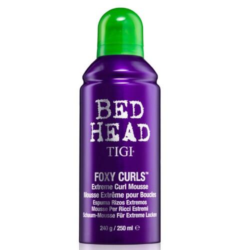 Tigi Pěnové tužidlo pro vlnité vlasy Bed Head Foxy Curls Extreme (Curl Mousse) 250 ml