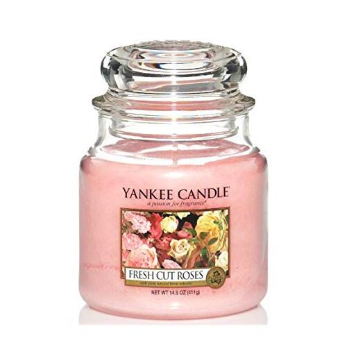 Yankee Candle Aromatická svíčka Classic střední Čerstvě nařezané růže (Fresh Cut Roses) 411 g