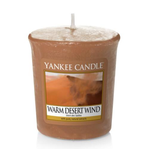 Yankee Candle Aromatická votivní svíčka Teplý pouštní vítr (Warm Desert Wind) 49 g