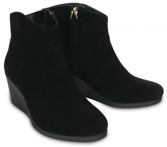 Crocs Dámske topánky na kline Leigh Suede Wedge Bootie Black 41