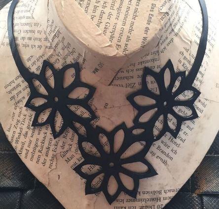 ARTcycleBALI Kvetinový náhrdelník Flower NE_009