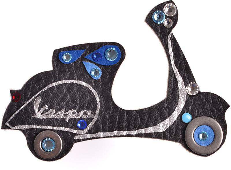 Petra Švarcová Černá brož Vespa s modrými detaily  PS0059