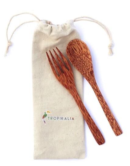 Zobrazit detail výrobku Tropikalia Cestovatel - dřevěný cestovní příbor s obalem - Kokosové dřevo