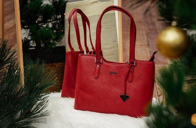 Věděli jste, že je kabelka nejlepší dárek pod stromeček