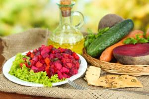 Salát z brambor a červené řepy