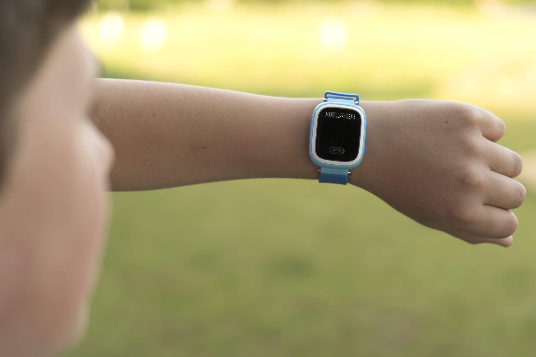 e0869b0ec Helmer Chytré hodinky s GPS lokátorem LK 702 žluté + SIM karta GoMobil s kreditem  50; Foto je pouze ilustrativní – je vyobrazena jiná barva produktu. Foto ...