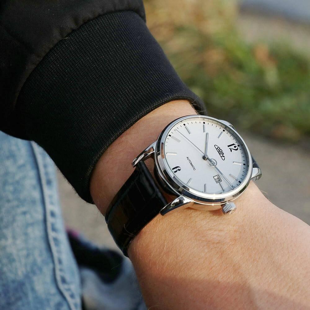af71786aebe Prim Epocha - A W01P.13078.A Doprava a roční pojištění hodinek ...