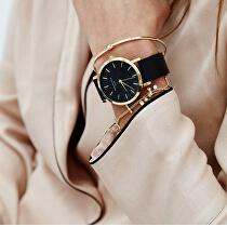 <p>Kombinace řemínku s hodinkami.</p>