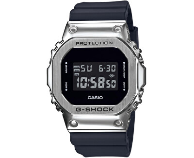 The G/G-SHOCK GM-5600-1ER (322)