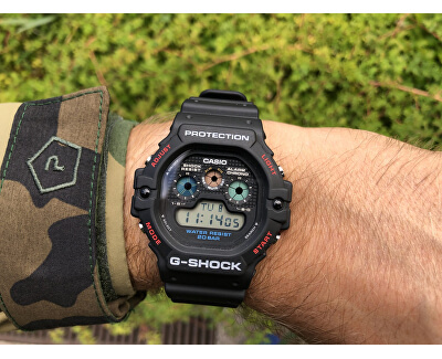 The G/G-SHOCK DW-5900-1ER (332)