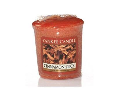 Aromatická votivní svíčka Skořice s hřebíčkem (Cinnamon Stick) 49 g