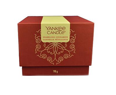 Dárkový box se svíčkou Sparkling Cinnamon 198 g