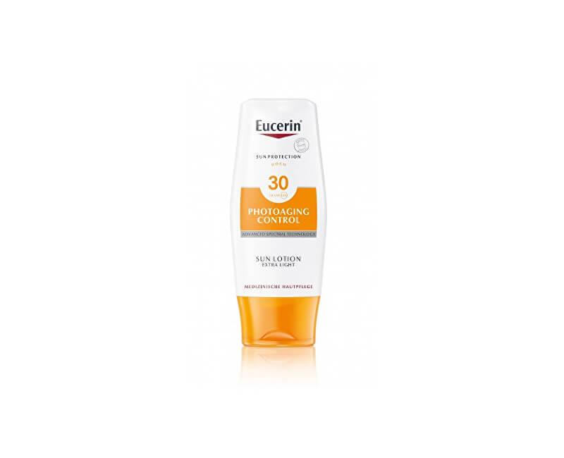 Eucerin Extra lehké mléko na opalování Photoaging Control SPF 30 (Sun Lotion) 150 ml