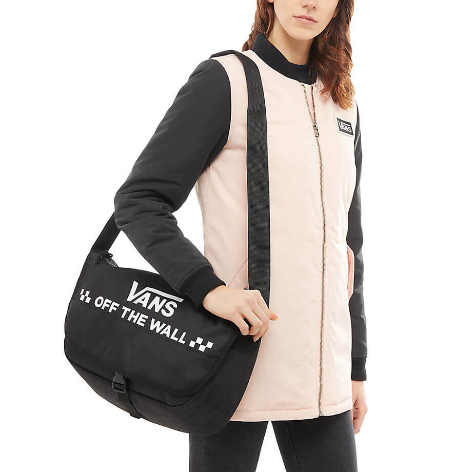VANS Laptoptáska Courier Messenger Bag Black VA3NG6BLK Akcióban. Előző   Következő   5a2b946f60