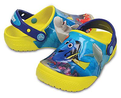 Crocs Detské šľapky Crocs FunLab Dory Lemon 204453-7C1