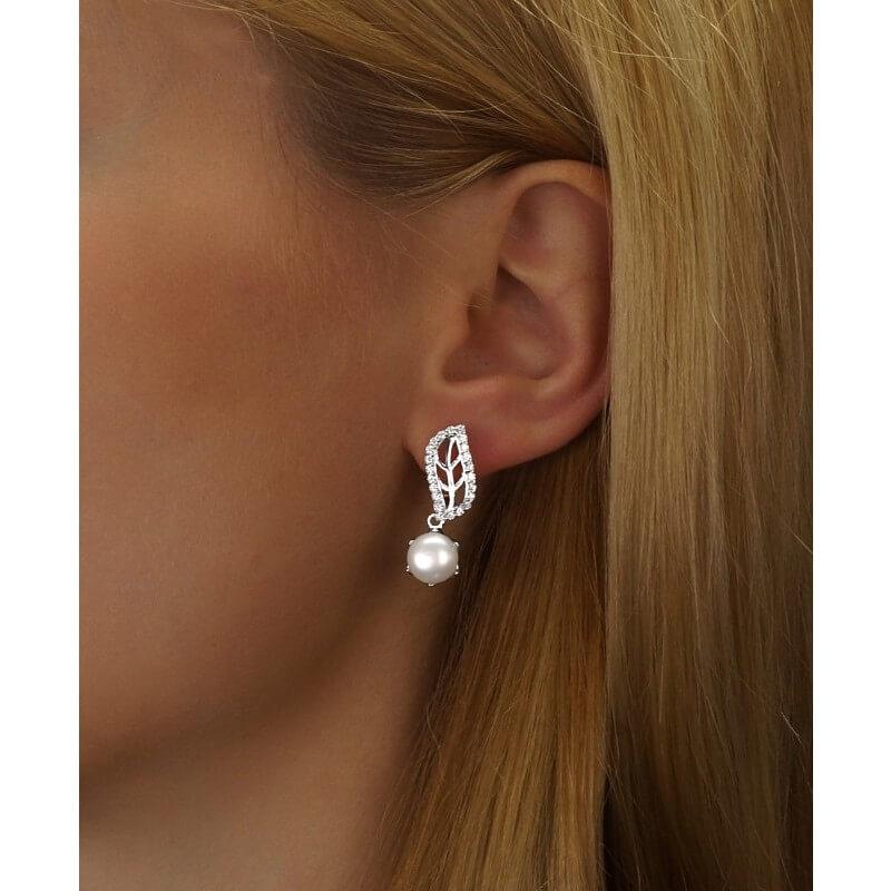 e052e5a80 Silvego Stříbrné náušnice zdobené perlou a křišťálem FNJE0707-PR ...