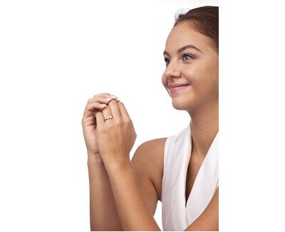 Něžný dámský prsten z bílého zlata 229 001 00809 07