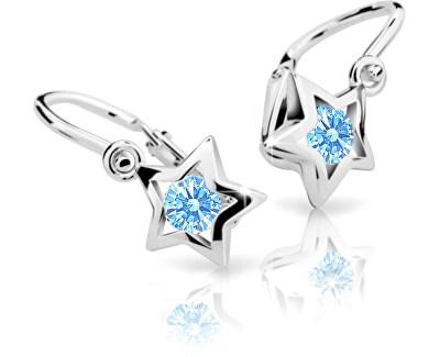 Náušnice jsou osazené světle modrým krystalem.