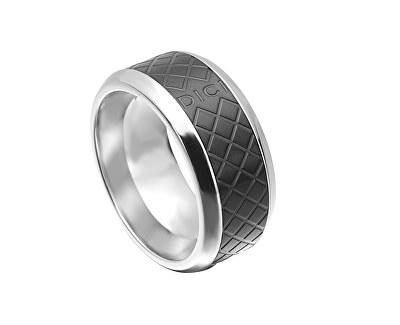 Pánský prsten s černým vzorem DCRG5015020