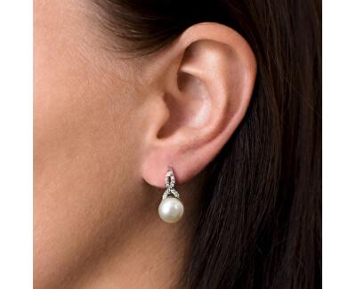 Stříbrné náušnice s říční perlou 21048.1 bílá