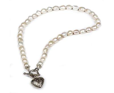 JwL Luxury Pearls Náhrdelník z pravých bílých perel s přívěskem srdce JL0039