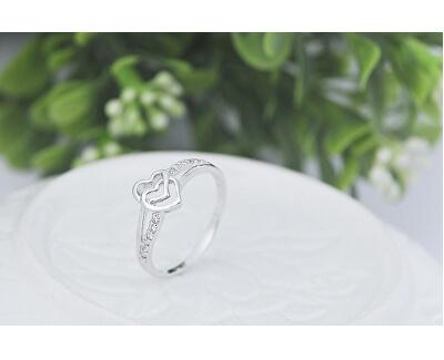 Zamilovaný prsten se srdíčky
