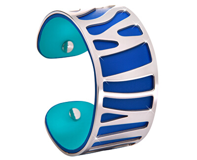 Kůže s modrou barvou na líci a tyrkysovou na rubu.