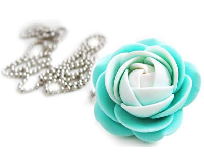 Troli Bílo-mentolový náhrdelník kytička